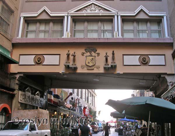 St. Vincent's Court - Bullocks porte cochere