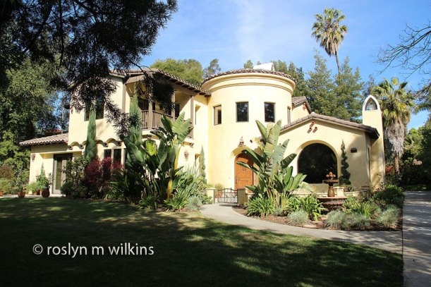 So last weekend I went on a Sierra Club walk of Greene & Greene houses in Pasadena.