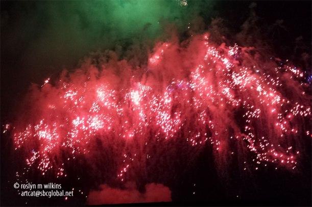 santa-monica-college-fireworks