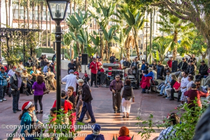 olvera-street-plaza-area-122213-063-C-850px