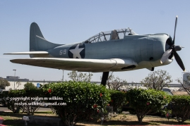 LAX-Tom-Bradley-092715-170-C-750px