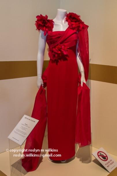 fashion-institute-121215-49-C-700px