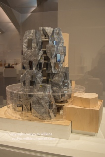 gehry-121915-034-C-700px