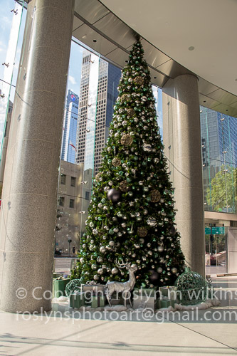 los angeles downtown holiday decorations